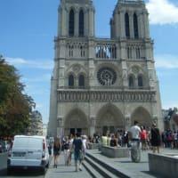 Je souhaite la résurrection de Cathédrale Notre-Dame de Paris.