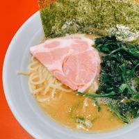 【元祖ラーメン激戦区・本八幡】二郎系が大流行の南口に対して、北口に横浜家系「菊池家」が本日オープン!濃厚な豚骨スープに酒井製麺が痺れます!