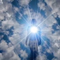 光の世界の計画に沿って地上に降りて来る偉大な魂