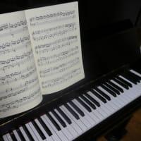 皇后のピアノ演奏とカタツムリの悩み