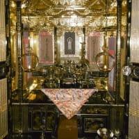 仏壇の修復が終わりました。見違えるようにきれいになりました。ご先祖様への感謝の気持ちです。