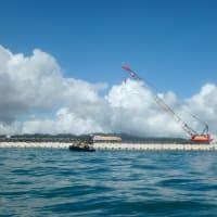 K8護岸周辺の海の濁り/航路でガット船、ランプウェイ台船に抗議