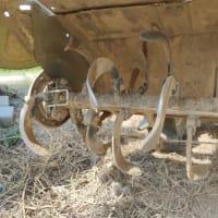 トラックターのロータリー、自作のカラマン棒もどき