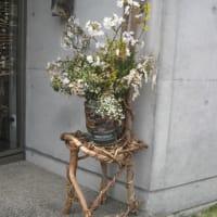 第16回クラフト展(イエツアオグループによる)NO6(玄関の花)