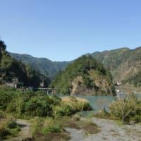 『武界壩(堰き止湖)』と『日本人村の跡』。