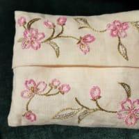 季節に合わせた刺繍 散りゆく桜