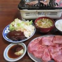 3回目「食事処琇(ヒデ)」。この日のタンランチ750円はハンバーグ付き。