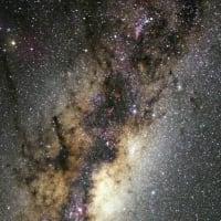 """""""老けた銀河""""を調べれば、宇宙初期でどうやって効率的に大量の星が作られたのかが分かってくる"""