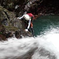 今年度最後の沢登ツアー。びしょびしょになりながら水とたわむれてきました!【屋久島沢登り・川遊びガイドツアー】