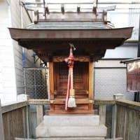 本日は三宮へ。三菱UFJ銀行神戸支店・神戸中央支店前にある三宮神社へ。おみくじは25番末吉。