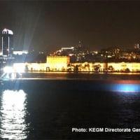 ボスポラス海峡で貨物船が無効、停泊地に曳航された