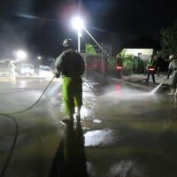 安和の琉球セメント桟橋出入口で抗議/国道への赤土土砂流出-テイケイと沖縄防衛局の失態