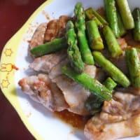 男のテキトー料理「アスパラガスと豚肉の炒め物」