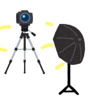 点滅するカメラのフラッシュの謎