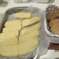 朝からクッキーを焼く