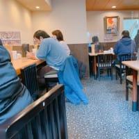 今月6日にオープンした本八幡のきたかた食堂にて、王道の醤油ラーメンと鯛の昆布締め丼、締めははみだし鯛焼き!