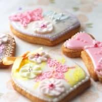【繊細なラインのクッキー】アイシングが乾かないうちに♪