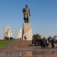ウズベキスタン  前独裁政権と決別し、「改革」を進める現政権