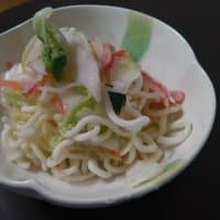 カニカマと白菜漬の和え麺。