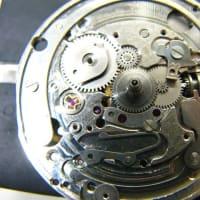 SEIKOスポーツタイマーとセイコーラサールクオーツ時計を修理です