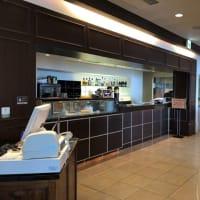 国際空港構内ホテルの朝食レストラン