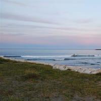 『 外房の家の日々のこと 』。夕方は海をはしご&水まき~、今日も夏満喫気分の気持ちの良い1日です。