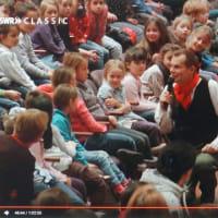 どうか分かってほしい、子ども向けなんてないことを。一番真剣なのは、こども相手の時なのだ。ドイツの子どもたちへのベートーヴェンを視聴して!