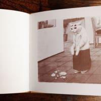 出口かずみ画集「小八」の卸販売が始まりました。