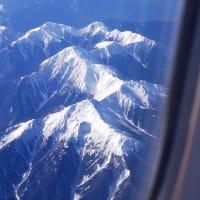 あたまを雲の上に置き・・・富士は日本一の山。安倍さん、もうウソにウソを重ねてはいけません。美しい日本は、醜い日本になっています。