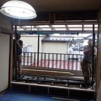 窓の交換作業。