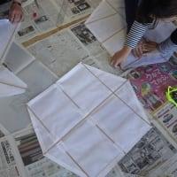 新年に向けて、2種類の凧(たこ)作り