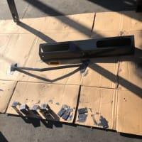 【ご成約済み中古車】マストの部品を全部外し塗装してからボディーに戻していく過程をご紹介