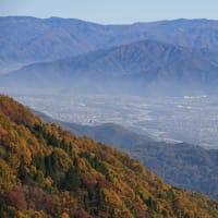 【萩野城跡】 脇郭から川中島平を眺める