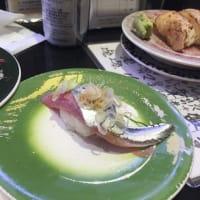 うっとり、秋刀魚のお寿司♪  池袋西武の「回し寿司 活 美登利」