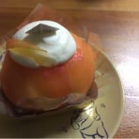 桃丸ごとケーキ