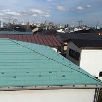 大屋根の破風板も劣化していたのでタフな金属板でカバーしました