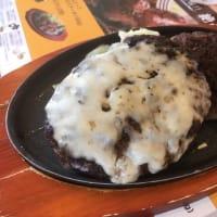 和歌山県 ジョイフルかつらぎ店 レギュラーツインハンバーグ(チーズハンバーグとハンバーグ)