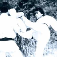 "1973年9月「死亡遊戯」撮影再開!""蹴りの達人""黄仁植香港招聘!"