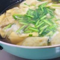 今日の献立ワンタンスープと玄米チャーハン(⋈◍>◡<◍)。✧♡