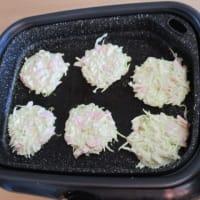 手作りおやつ「春キャベツのお好み焼き」