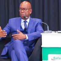 Safaricomのチーフ、任期を延長。