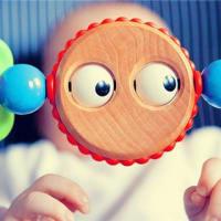 子供たちのお気に入りの新しいおもちゃ:楽しい宇宙の砂