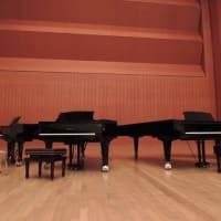 4台のピアノと8人のピアニストによる饗演