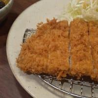 名古屋名物の味噌カツ朝食