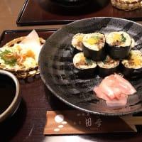 蕎麦寿司を食べに。