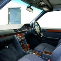 あっという間の激速ご成約!程度極上W124型メルセデス・ベンツE220T★
