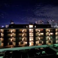台風一過の新宿の夜空