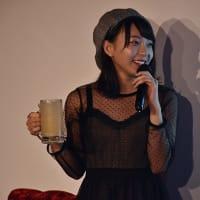 【エーライツ所属タレント】塩川莉世・3代目「ナツ☆イチッ!クイーン」を週プレ酒場で盛大にお祝い!