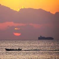 朝の志摩沖の海