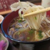 再訪「餅いさの」、本町の餅屋で、いなり寿司と肉野菜温麺などの日替りランチ700円